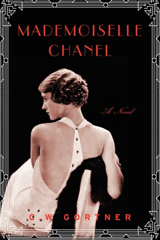 "May Book Club ""Madamoiselle Chanel"" and Circo"
